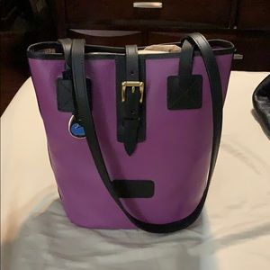 NWT Dooney and Bourke leather medium tote
